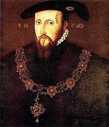 Muodollinen muotokuva Somersetin herttuasta.  Hänellä on pitkät ohuet kasvot, pukin parta ja viikset pitkistä hienoista suorista punertavista hiuksista.  Hänen ilmeensä on varovainen.  Hänellä on sukkanauharenkaan kaulus.