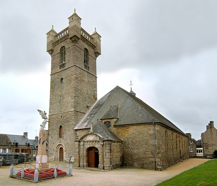 L'église Saint-Pierre de Saint-Pierre-Église dans le département de la Manche.