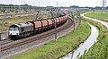 Elst-Valburg Rhein Cargo Class 66 DE 683 lege kolentrein richting Waalhaven (9950234893).jpg