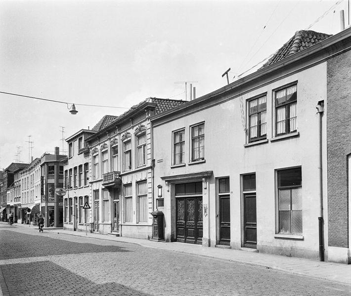 File:En hoger - 's-Hertogenbosch - 20111034 - RCE.jpg