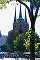 Erfurt - Domplatz - View WSW on St. Severikirche.jpg