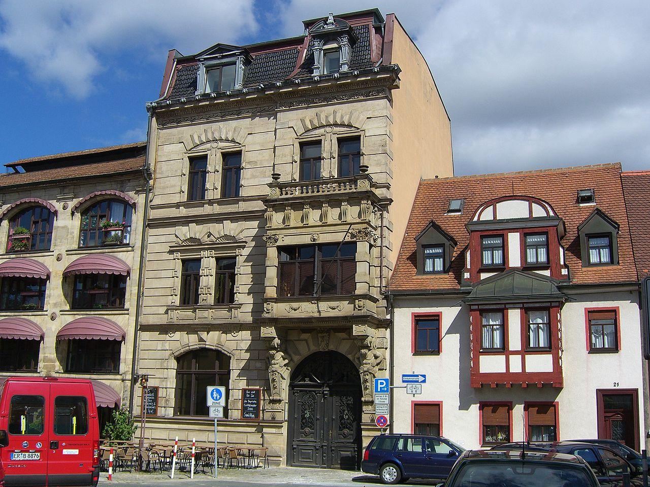 Strange File Erlangen Altstaedter Kirchplatz Different Houses Largest Home Design Picture Inspirations Pitcheantrous