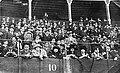 Espectadores na praza de touros (1919¿).jpg