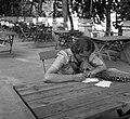 Esztergom, az első Leánycserkész Világtalálkozó résztvevője a Szent István strandfürdő éttermének teraszán. Fortepan 55857.jpg