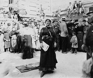 Eugénie Buffet - Eugénie Buffet, ca. 1920, photographed by Eugène Atget