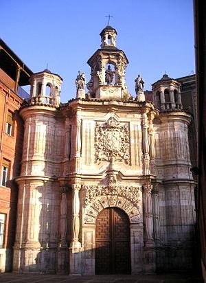 Fachada de la iglesia de San Juan de Letrán, Valladolid.