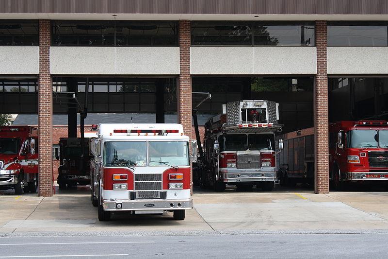 File fire station in columbus ga jpg wikimedia commons for Atlanta department of motor vehicles