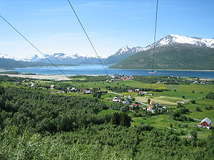 Tjeldsund - View of Fjelldal in the summer