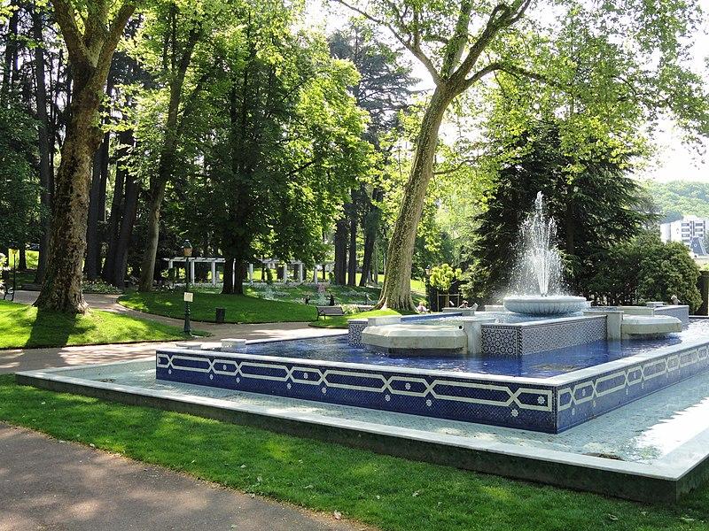 File:Fontaine marocaine (Aix-les-bains) - DSC05137.jpg