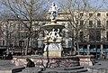 Fontaine monumentale (Carcassonne).jpg