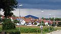 Freiburg-Tiengen mit Blick auf die Eichelspitze im Kaiserstuhl.jpg