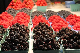 Granville Island - Image: Fresh berries at the Vancouver, BC farmers market