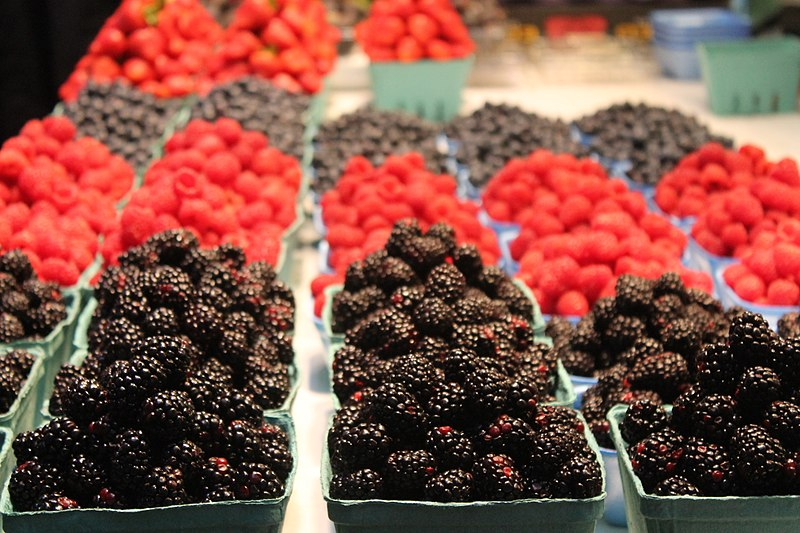 Berries at the Vancouver Farmers Market, Wiki Commons, DanDavidCook