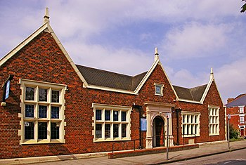 English: Friern Barnet Library, London N11 Thi...