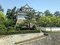 Fushimi-Yagura of Fukuyama Castle from platform of Fukuyama Station (Sanyo Shinkansen).jpg