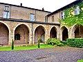 Galeries sud et ouest de l'ancien monastère.jpg