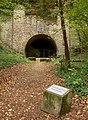 Gedenkstätte Silberbergtunnel Tunnelportal mit Stein.jpg