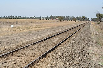 Geelong–Ballarat railway line - Crossing plains near Bannockburn