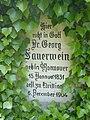 Georg Sauerwein Grabstein Detail-P1110543.jpg