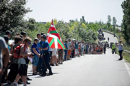 2014 human chain for Basque Country's right to decide Giza katea 3.jpg