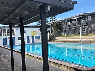 Glen Eden Intermediate Swimming pool.jpg