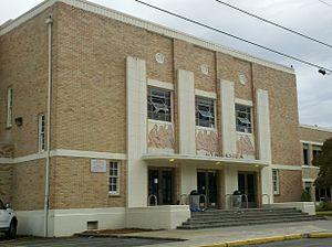 Gresham High School (Oregon) - Image: Gresham High School gym Oregon