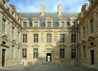 Hôtel de Sully - Image: Hôtel de Sully 07 2