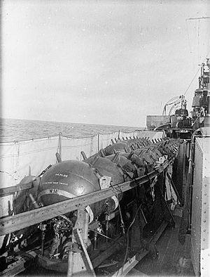 HMS Aurora (1913) - Image: HMS Aurora (1913) mines closeup WWI IWM SP 001196