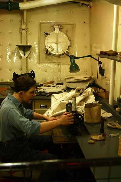 File:HMS Belfast - Sailmaker's workshop.jpg
