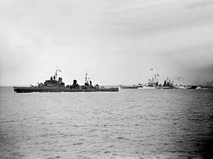 HMS Glasgow (C21) - Image: HMS Glasgow (C21) and USS Quincy (CA 71) underway off Cherbourg on 25 June 1944 (A 24309)