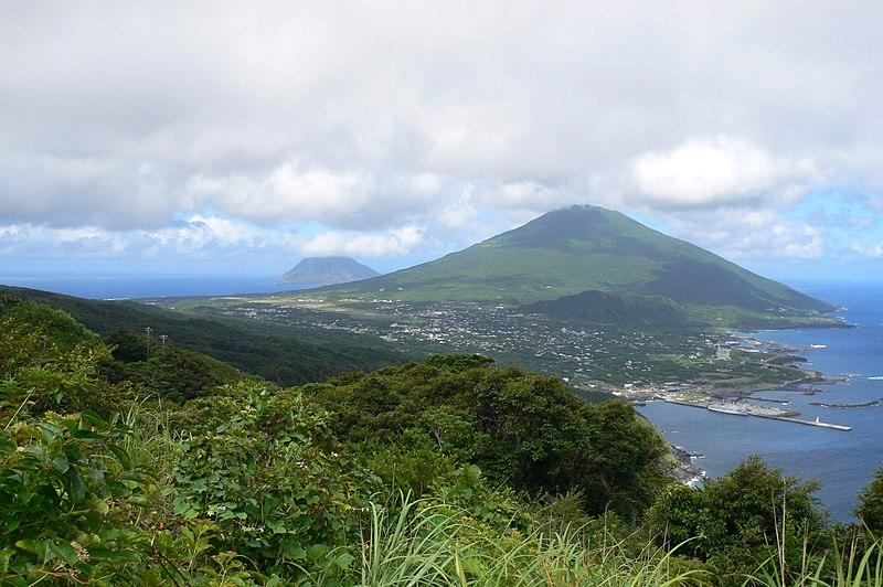 File:Hachijōjima as viewed from Noboryu peak.jpg