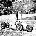 Hans Stuck, vainqueur de la côte du Mont Ventoux en 1934, ici à la courbe de Saint-Estève.jpg