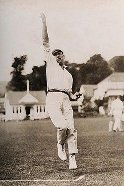 Harry Dean cricketer 1920.jpg