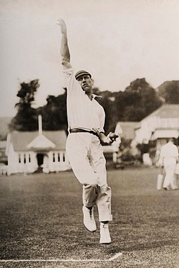 Harry Dean cricketer 1920.jpg
