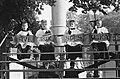 Heiligdomsvaart in Maastricht Vier misdienaartjes, Bestanddeelnr 914-1098.jpg