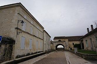 Pons, Charente-Maritime - Image: Hospice pelerins 04444