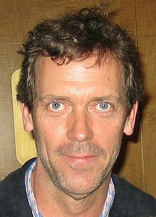 O actor, director, guionista, productor, musico, cantaire, compositor y escritor britanico Hugh Laurie.