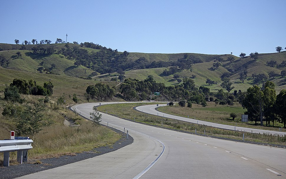 Hume Highway near the Sturt Highway turnoff