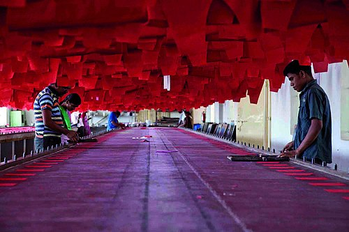 Textile workers in Tiruppur, South India