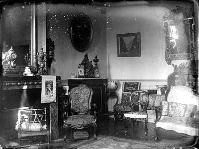 Intérieur dun salon bourgeois, Allemagne (6820359820).jpg