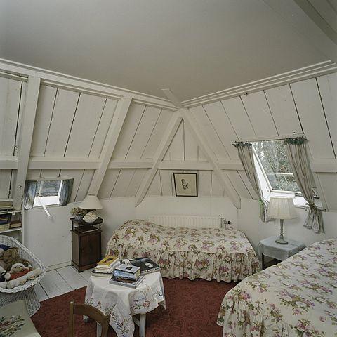 File interieur overzicht van de slaapkamer op de zolder sint nicolaasga 20397678 - Uitbreiding van de zolder ...