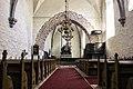 Interior da igrexa de Lokrume.jpg