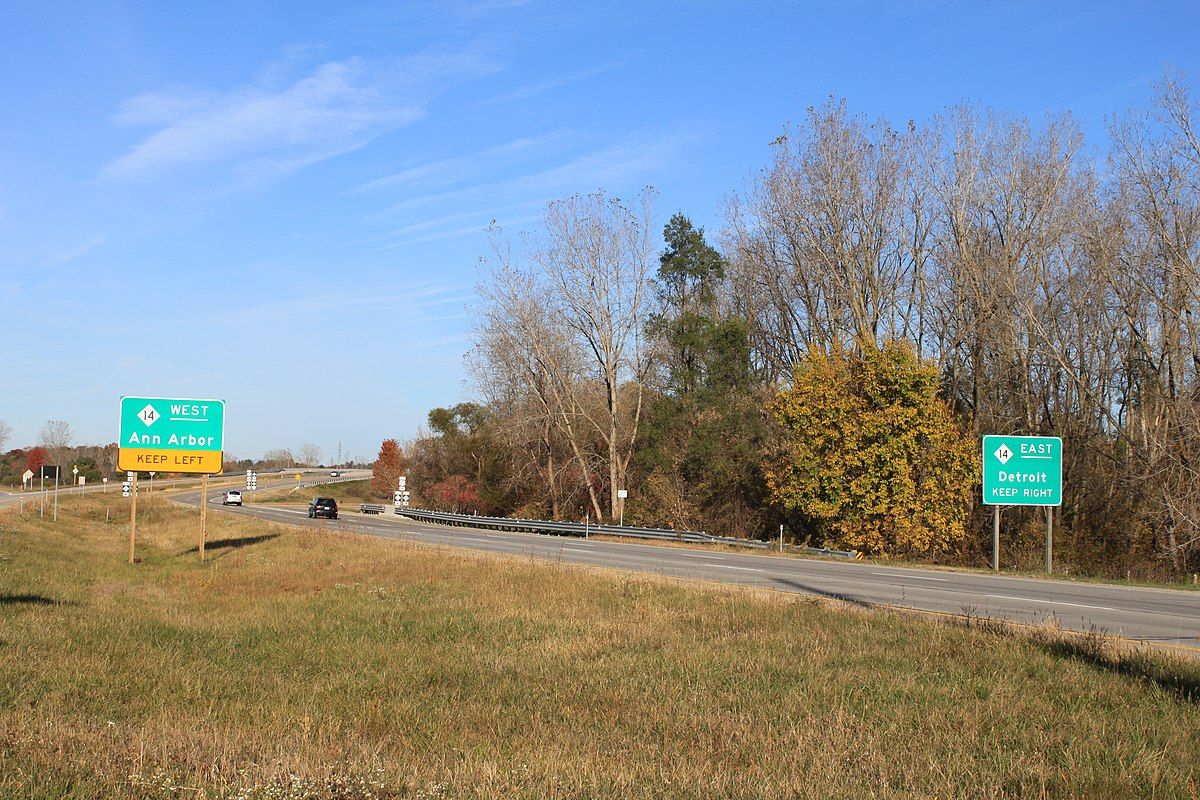 Intersection of M-153 and M-14.JPG