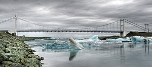 Jökulsárlón - Bridge across the lagoon
