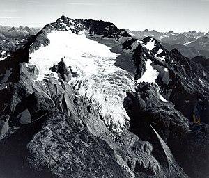 Nohokomeen Glacier on the northwest flank (1966)