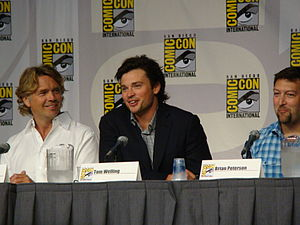 John Schneider (screen actor) - Schneider (left) with Smallville co-stars Tom Welling and Brian Peterson