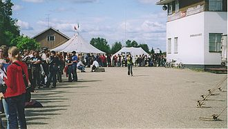 Midnight Sun Film Festival - A queue to Rosetta in 2005