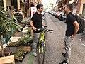 Jorge García Castaño visita en bici los Park(ing) Day de Centro y Chamberí (01).jpg