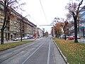 Jugoslávských partyzánů, zastávka Lotyšská, pohled k Vítěznému náměstí.jpg