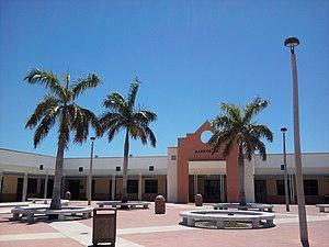 Jupiter Community High School - Image: Jupiter High School Cafeteria & Courtyard